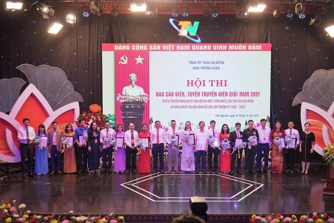 [Photo] Đẩy mạnh tuyên truyền để Nghị quyết Đại hội Đảng các cấp đi vào cuộc sống