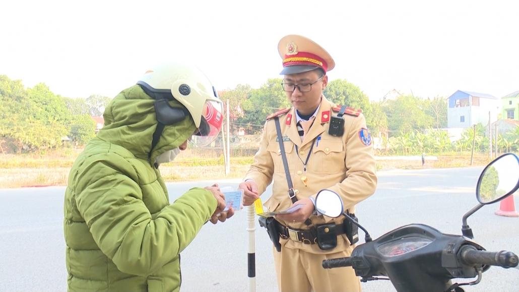 Nhiều biện pháp đảm bảo an toàn giao thông trong dịp Tết Nguyên đán