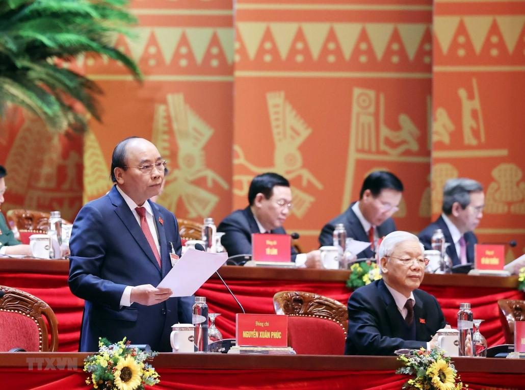 Đại hội XIII của Đảng thảo luận tại hội trường các văn kiện trình tại Đại hội