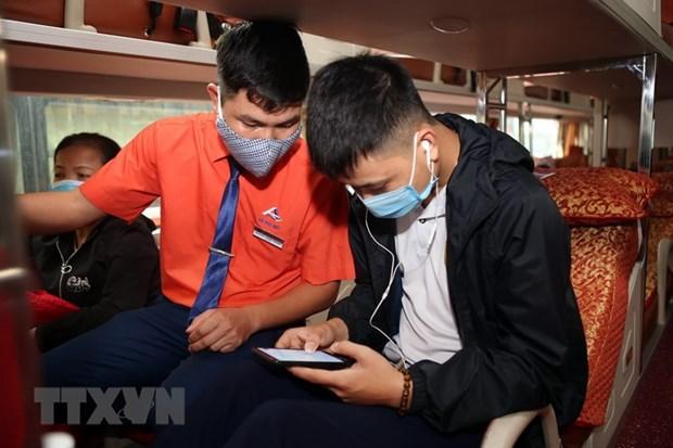 Doanh nghiệp vận tải cập nhật khách đi xe lên ứng dụng COVID-19