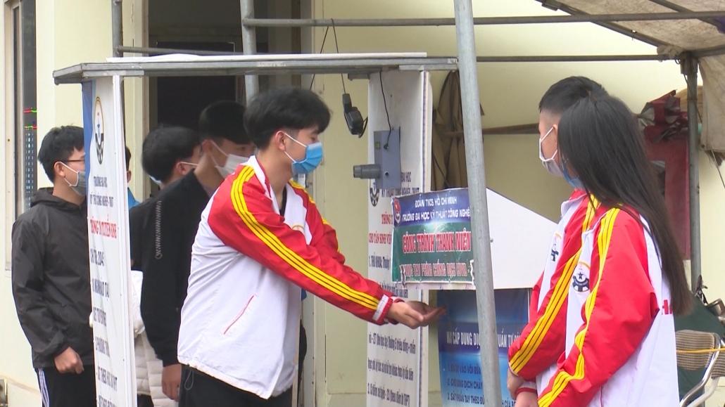 Sinh viên Đại học Thái Nguyên quay trở lại trường học