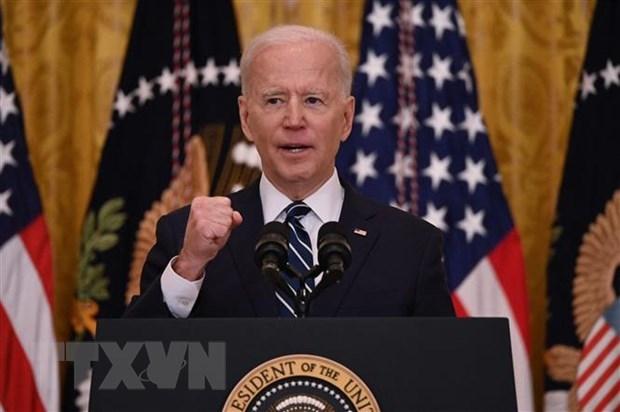 Đa số dân Mỹ tán thành cách xử lý dịch COVID-19 của Tổng thống Biden