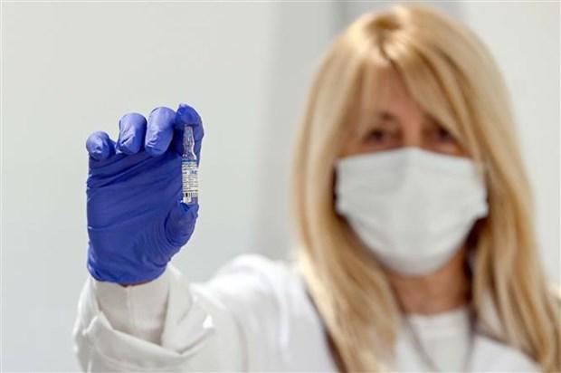 Vaccine Sputnik V ngăn chặn virus SARS-CoV-2 hiệu quả 97,6%