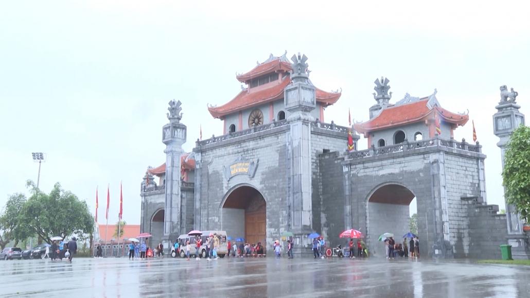Hôm nay 10-3 âm lịch, Lễ Giỗ Tổ Hùng Vương diễn ra tại Ðền Hùng
