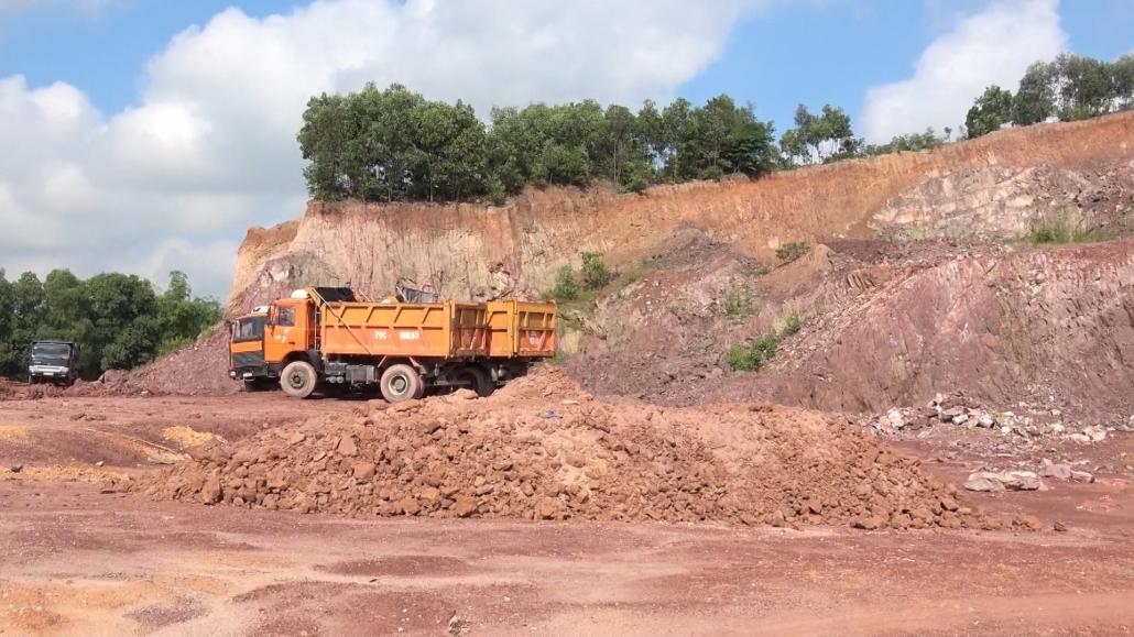 Phú Bình: Ký cam kết trách nhiệm trong quản lý nhà nước về tài nguyên khoáng sản (HTTH 13-5)