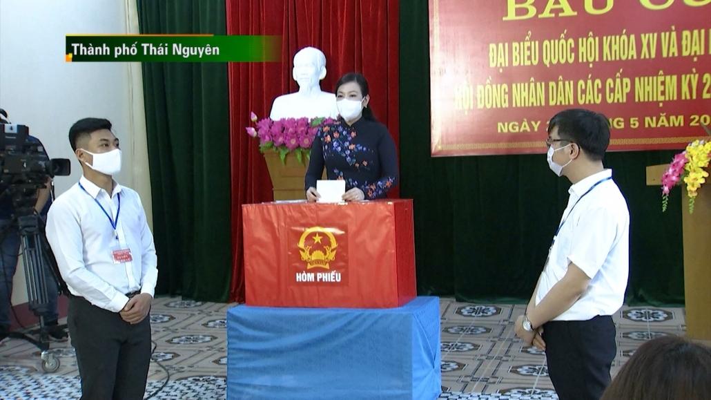 Cử tri Thái Nguyên thực hiện quyền và nghĩa vụ công dân