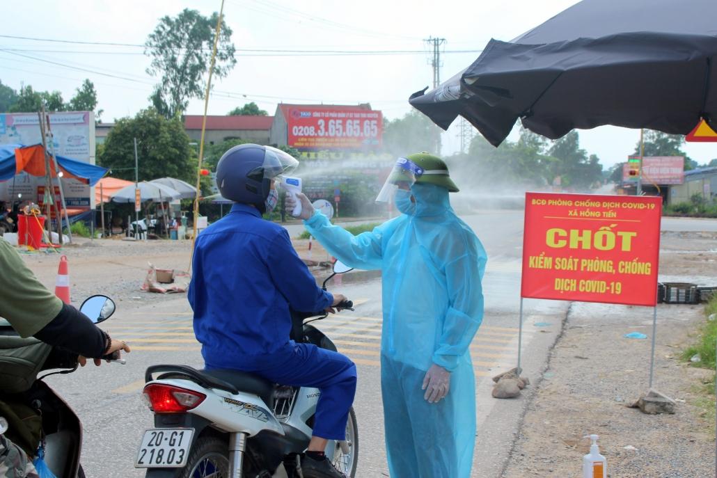 [Photo] Phú Bình: Khẩn trương hoàn thiện các khu cách ly