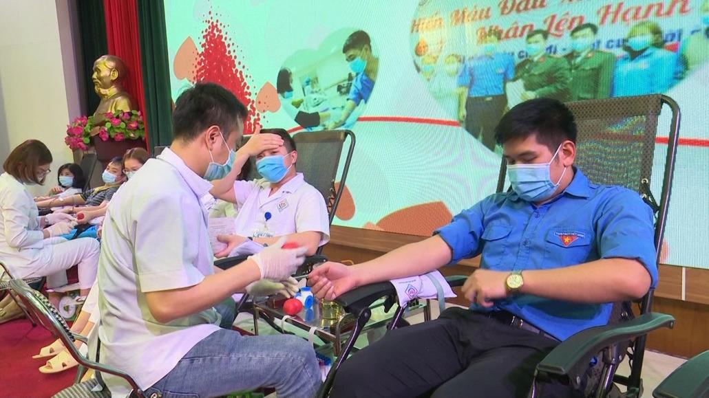 Hiến máu tình nguyện - hành trình từ trái tim đến trái tim