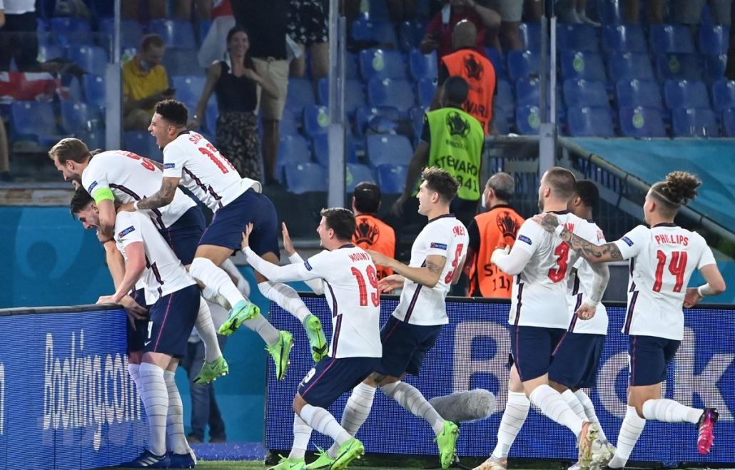 EURO 2020: Vòng bán kết hứa hẹn đầy sự bùng nổ mãn nhãn