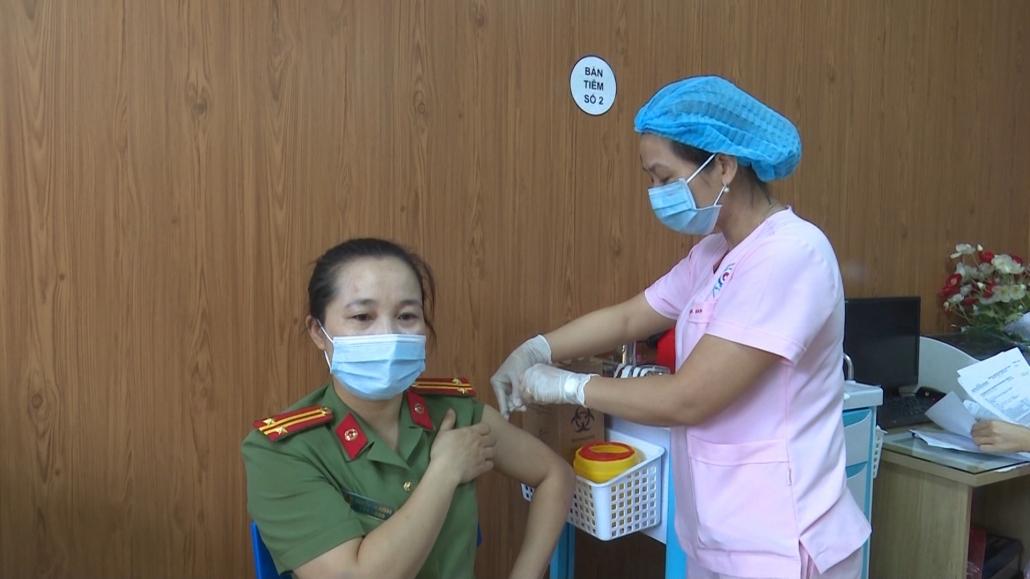 Tập trung rà soát, khám sàng lọc các đối tượng tiêm chủng vắc xin phòng COVID – 19
