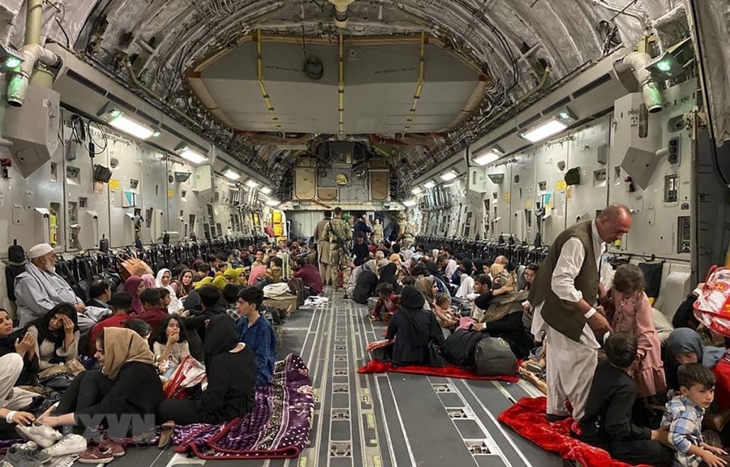 Bahrain và Kuwait tham gia chiến dịch sơ tán người dân Afghanistan