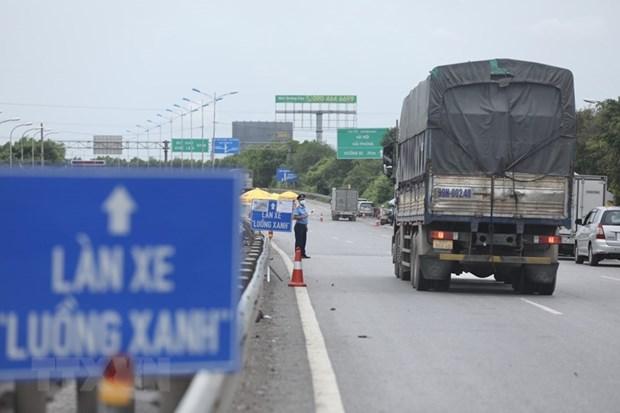 Ban hành hướng dẫn tạm thời vận tải bằng xe ôtô giữa dịch COVID-19