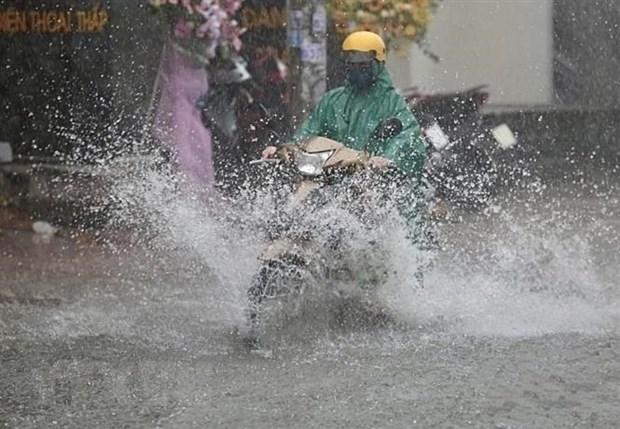 Bắc Bộ, Nam Bộ có mưa rào và dông, đề phòng thời tiết nguy hiểm