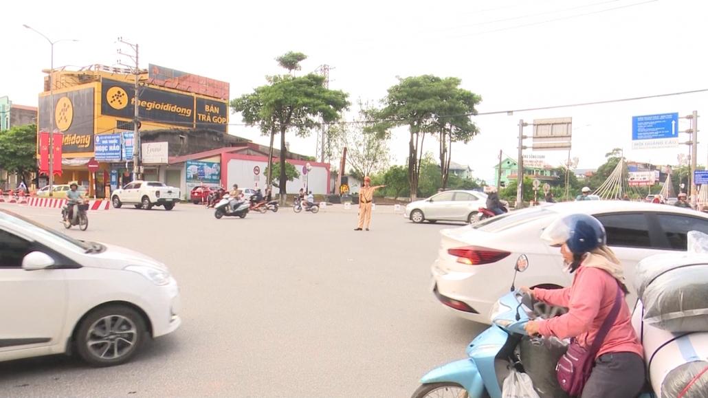 Nhiều người dân chưa có thói quen chấp hành biển báo giao thông