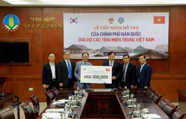Hàn Quốc hỗ trợ Việt Nam 300.000 USD để khắc phục hậu quả thiên tai