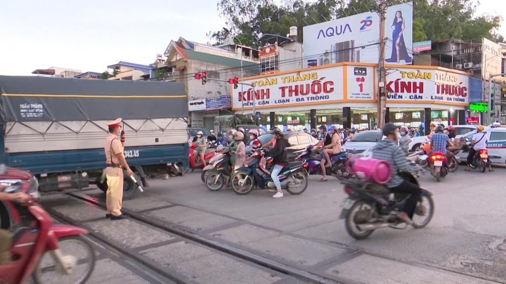 Phát triển xã hội gây nhiều áp lực giao thông lên các tuyến đường