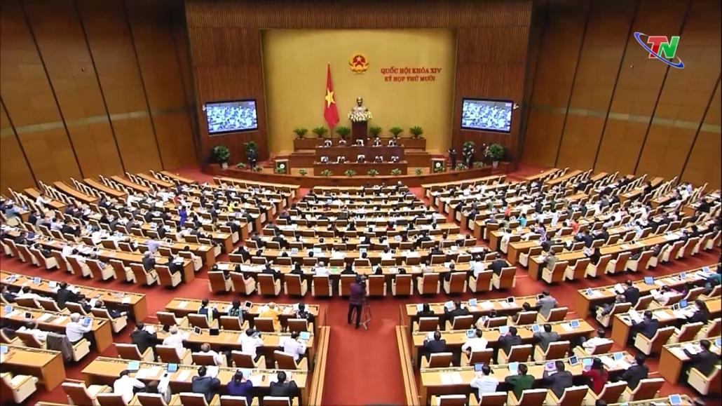 Quốc hội thảo luận về tình hình kinh tế, xã hội