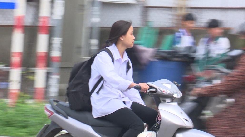 Cần chấn chỉnh tình trạng học sinh đi xe máy đến trường