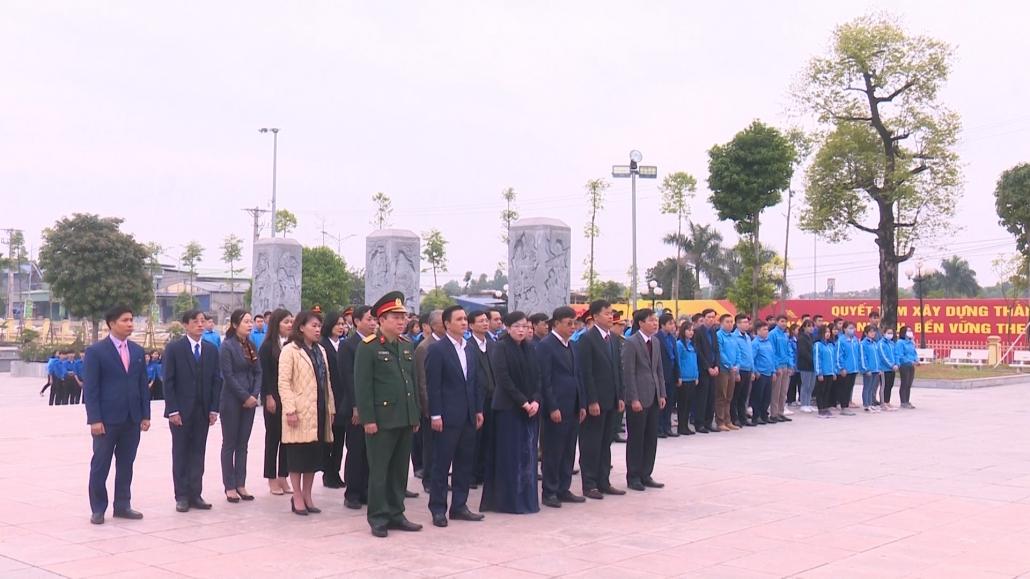 Dâng hương tưởng niệm các anh hùng liệt sỹ Thanh niên xung phong Đại đội 915, đội 91 Bắc Thái