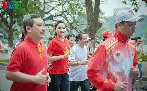 Hàng triệu người tham dự Ngày chạy Olympic vì sức khỏe toàn dân