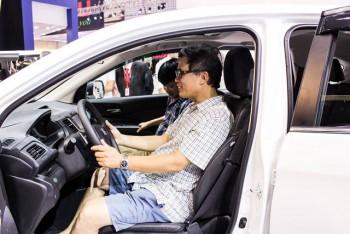 Cuộc chiến giảm giá ô tô và sự kỳ vọng của người tiêu dùng Việt