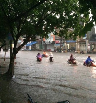Thành phố Thái Nguyên: Mưa lớn gây ngập úng nhiều tuyến phố