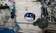 robot hinh cau gia nhap phi hanh doan tren tram iss