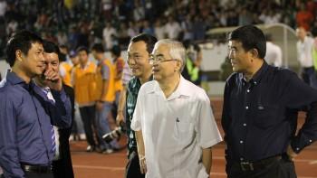 """Bị HLV Nguyễn Hữu Thắng """"tố"""" thiếu trung thực, VFF phủ nhận"""