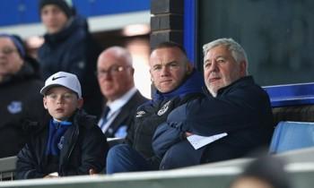 Everton thất thủ trong ngày vắng Rooney
