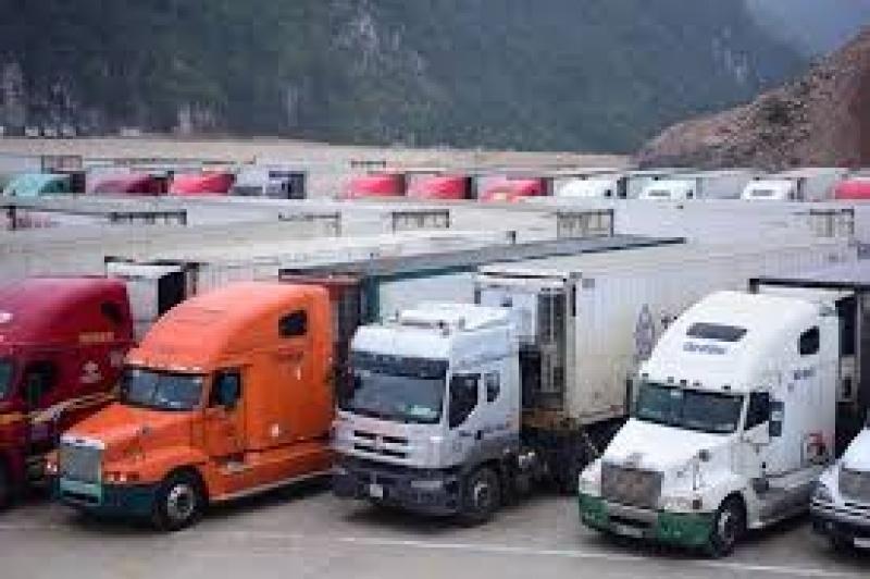 dang ton hon 750 xe hang tai cac cua khau phia bac