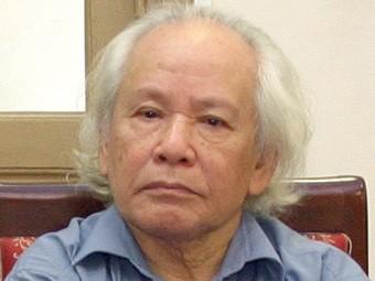 GS. NGND Đinh Xuân Lâm - người Thày uyên bác và tận tâm