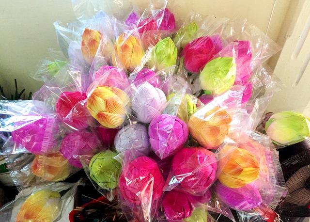lang hoa giay thanh tien tat bat nhung ngay cuoi nam