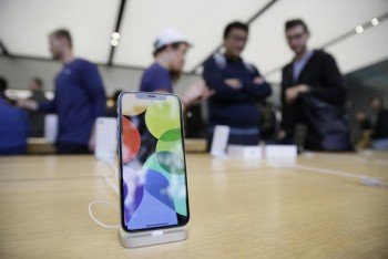 apple cat giam san xuat iphone x do e hang