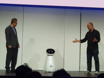 """Samsung mang """"binh đoàn"""" robot đến trình diễn tại CES 2019"""