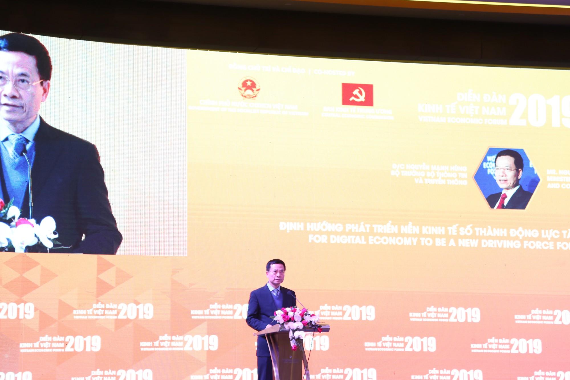 Bộ trưởng Nguyễn Mạnh Hùng: 'Chấp nhận cái mới, người tài toàn cầu sẽ về Việt Nam'