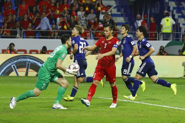 Xuất sắc trước Nhật Bản, Văn Lâm có cơ hội tranh giải thủ môn hay nhất