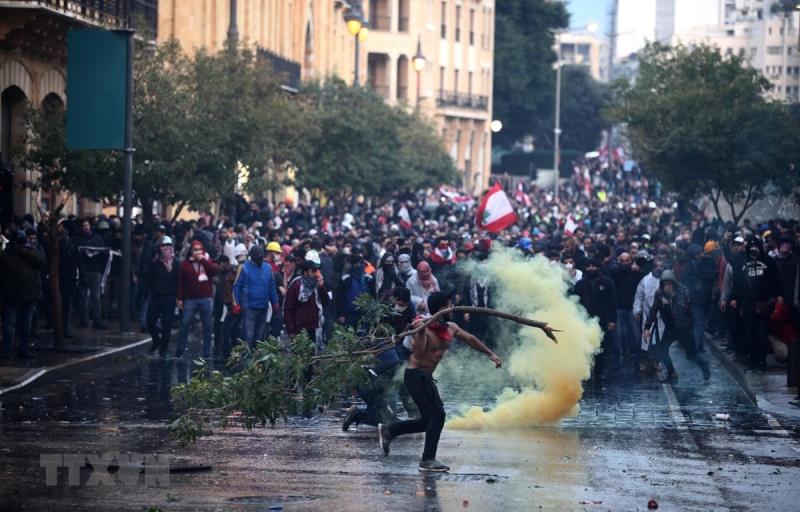 Liban: Người biểu tình đụng độ cảnh sát, 70 người bị thương