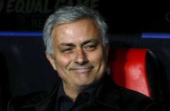 Mourinho toan tính, MU may mắn không thua trên sân Sevilla