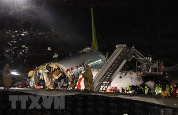 Đã có 3 người chết trong vụ máy bay trượt khỏi đường băng ở Thổ Nhĩ Kỳ