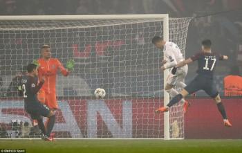 Thắng PSG trên sân khách, Real Madrid tiến vào tứ kết