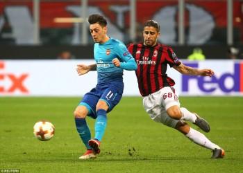 Quật ngã AC Milan, Arsenal rộng cửa vào tứ kết