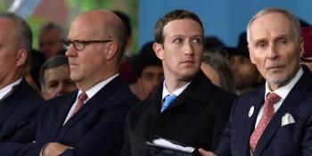 mark zuckerberg khong noi 1 loi facebook hop khan cap