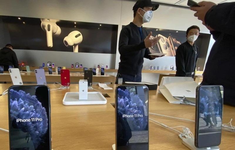 Nhiều mẫu điện thoại của Apple, Huawei bắt đầu khan hàng vì COVID-19