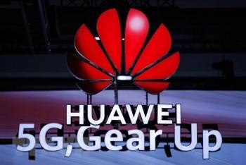 Tổng thống Trump ký ban hành luật cấm công ty Mỹ mua thiết bị Huawei