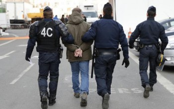 Pháp bắt 2 đối tượng âm mưu tấn công trong ngày bầu cử Tổng thống