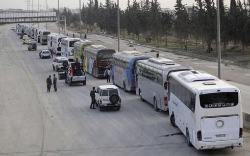 hang nghin tay sung noi day syria dau hang va giao nop vu khi