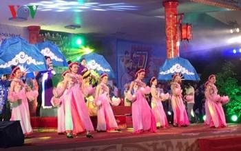 festival hue 2018 khai mac lien hoan hat van hat chau van toan quoc