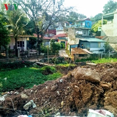 Sống cạnh dự án, dân nơm nớp trước mùa mưa lũ