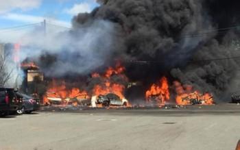 Máy bay Mỹ đâm trúng khu công nghiệp, 2 phi công thiệt mạng