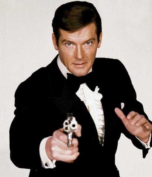 diep vien 007 roger moore qua doi vi ung thu